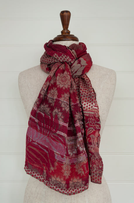 Létol organic cotton jacquard scarf made in France, Donatella Fuschia in shades of deep red and pink.