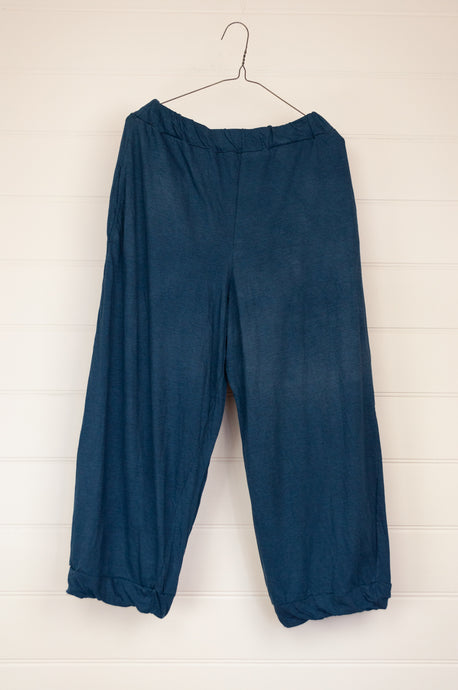 Valia Collective cotton knit pull on pants, three quarter length with elasticated waist and side pockets, in midnight blue.