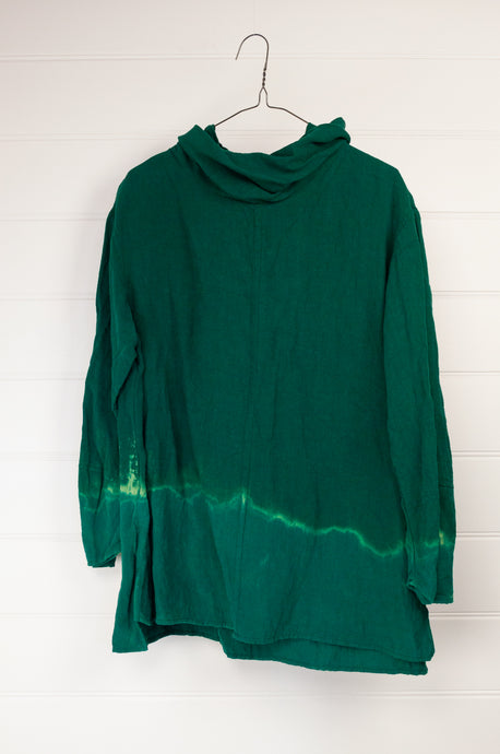 Kimberley Tonkin the Label Jackson Riley hem dyed top in Emerald, 100% high twist linen.
