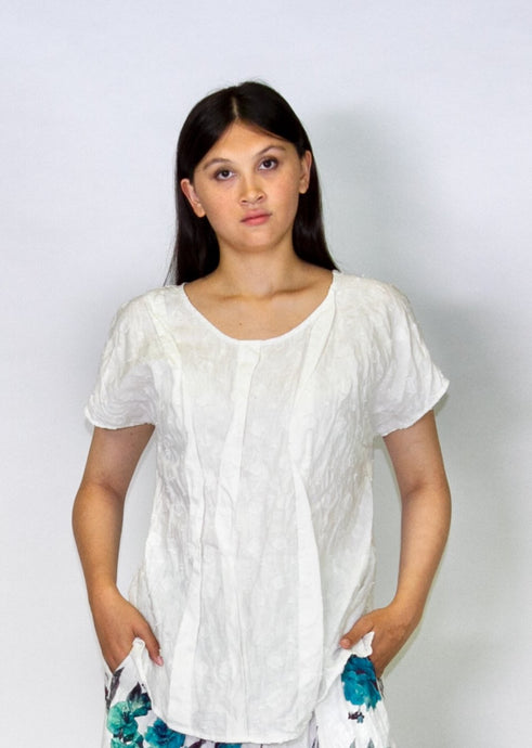 Kimberley Tonkin S2020 collection, Fisher pleat top in white linen dot.
