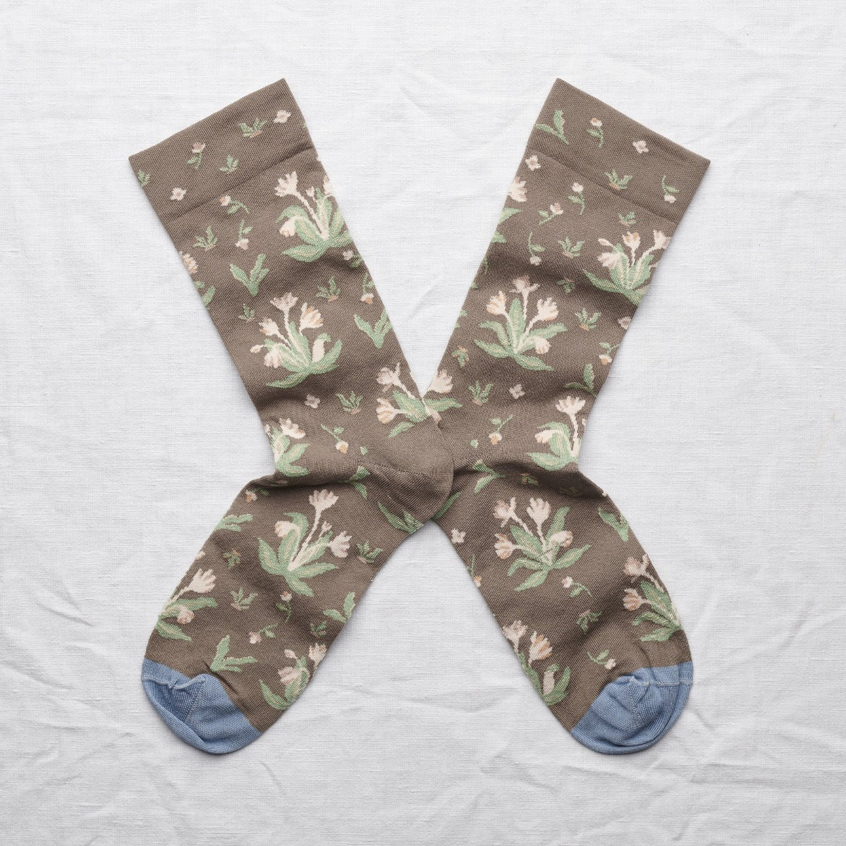 Bonne Maison fine cotton socks, made in France. Taupe Bouquet rosebud pink bouquet on taupe background with storm blue toe.
