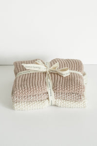 Bianca Lorenne lavette set of 3 cotton knitted washcloths in pale petal pink.