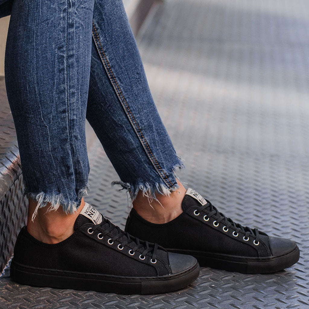 Women's Low Top | Black