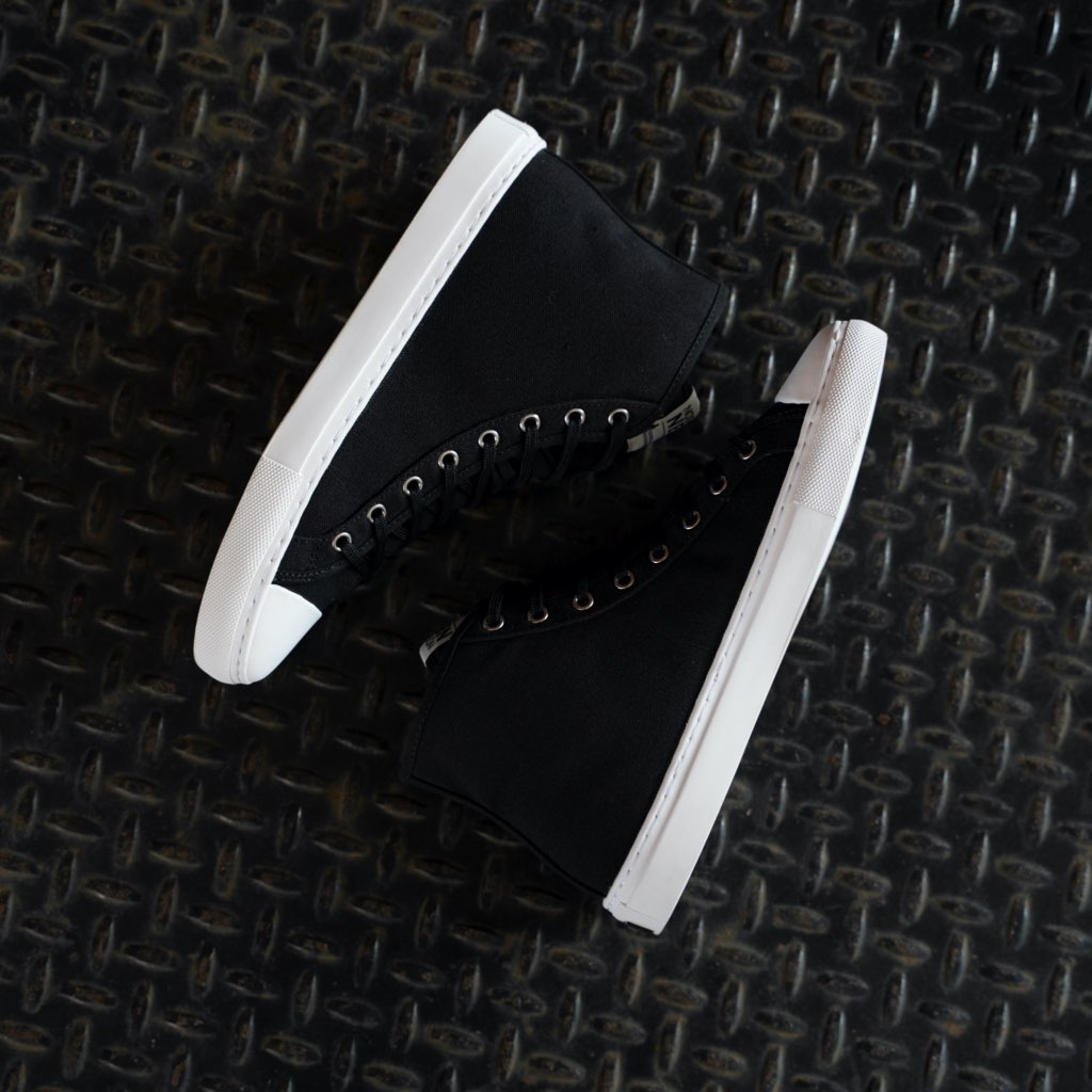 Men's High Top | Black x White