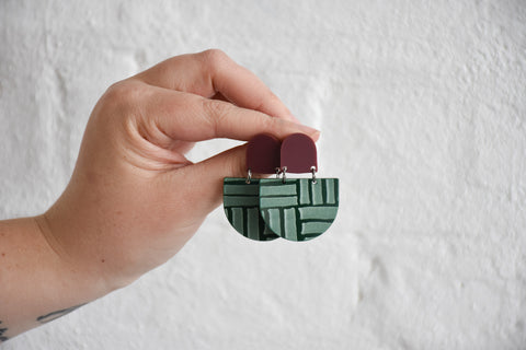 CLIP ON | 'Donna' Wine Red / Forest Green Deco