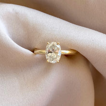 Load image into Gallery viewer, Bee Engagement Ring Oval