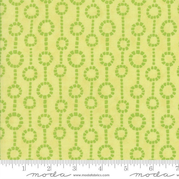 Grand Canal by Kate Spain - Fontane in Olive (27256-24)