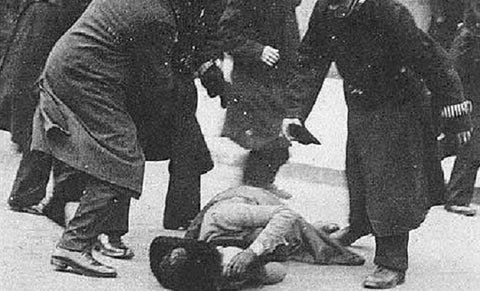 Emmeline Pankhurst and the Suffragettes beaten by police