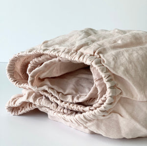 Linen Crib Fitted Sheet In Light Pink