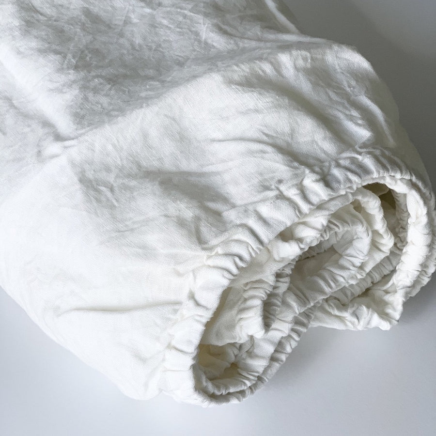 Linen Crib Fitted Sheet In White