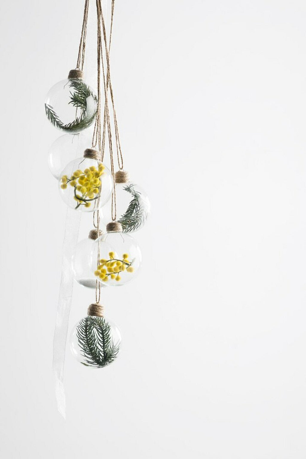 Glass Hanging Yellow Wattle Bauble