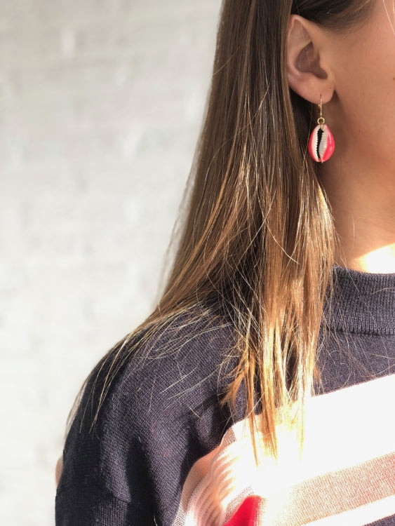 INDOCHINE COLLECTION SHELL EARRING
