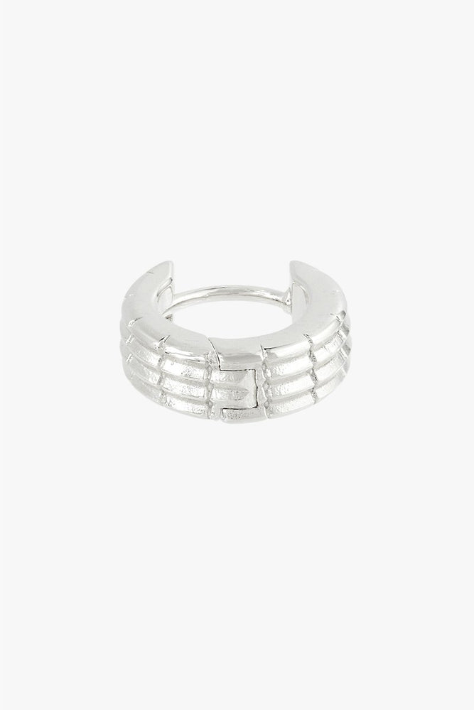 WILDTHINGS OFF ROAD HUGGIE EARRING