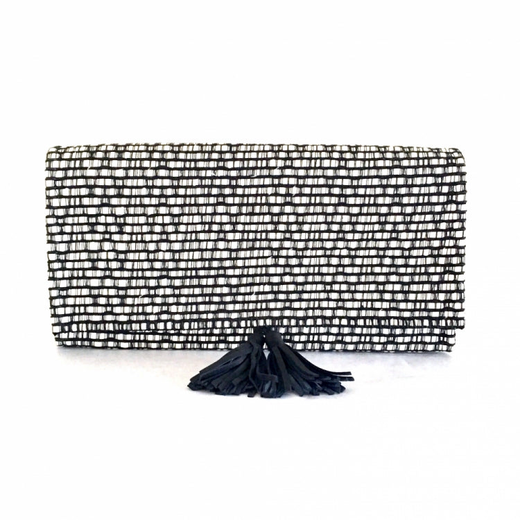 CLUTCH MONA POMPONS, WHITE/BLACK