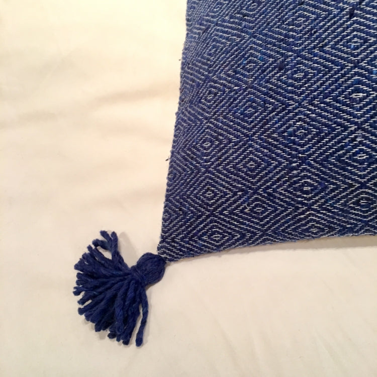 CUSHION SQUARE POM POM, BLUE