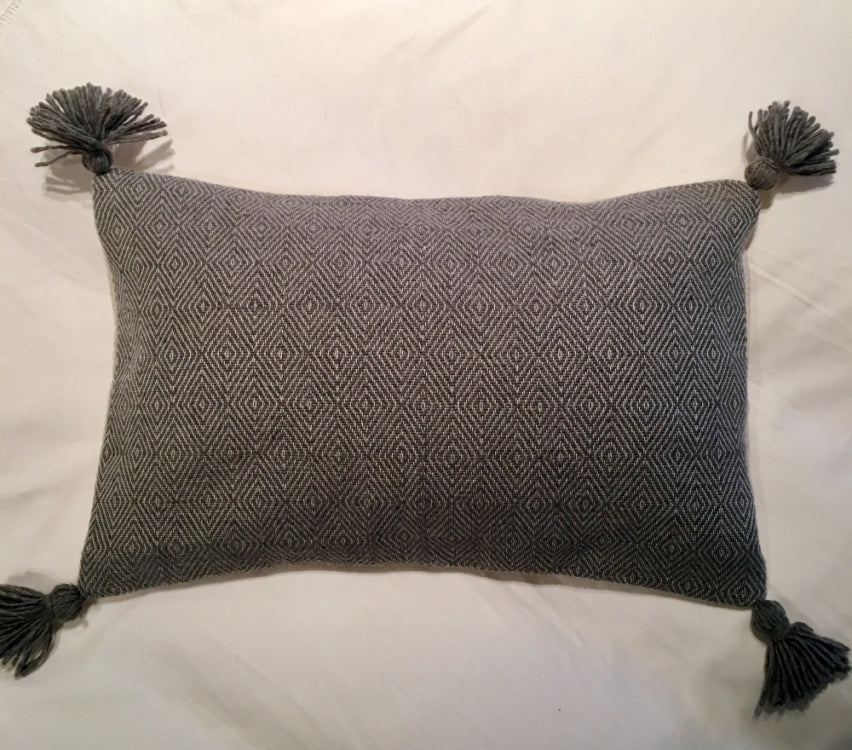 CUSHION POM POM, GREY