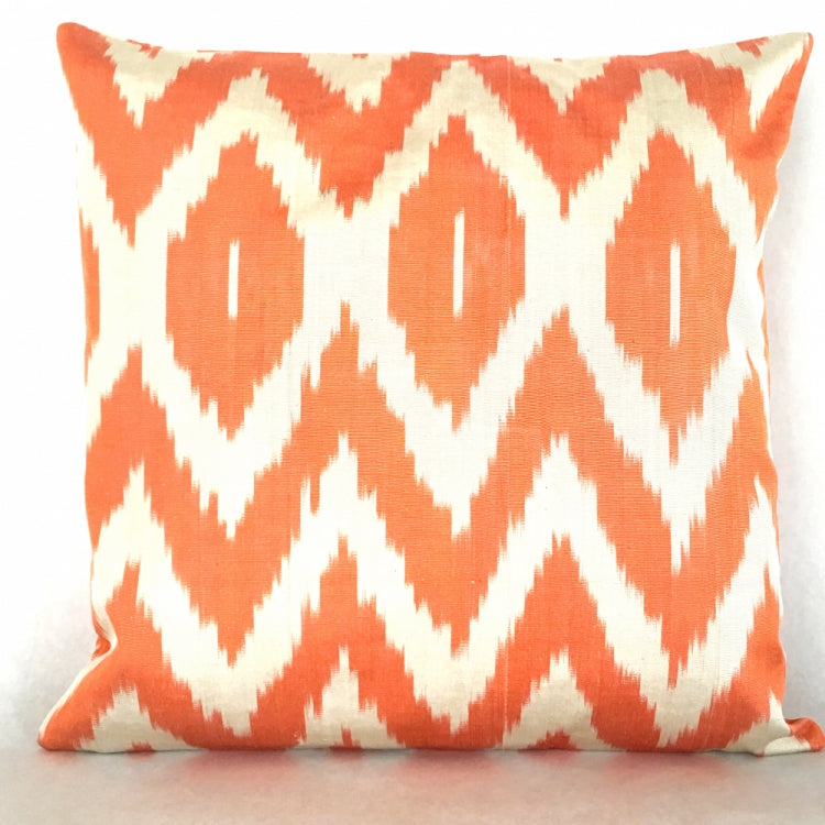 CUSHION IKAT LOLA