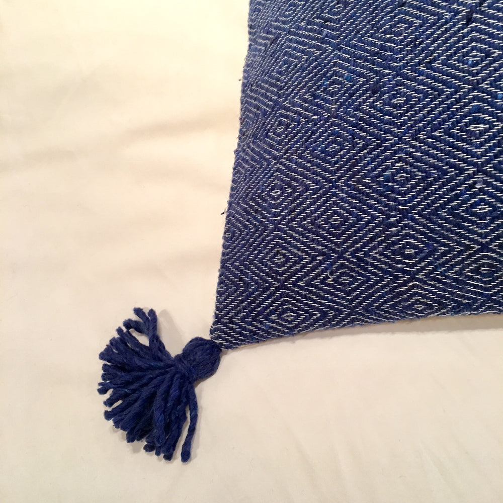 CUSHION POM POM BLUE
