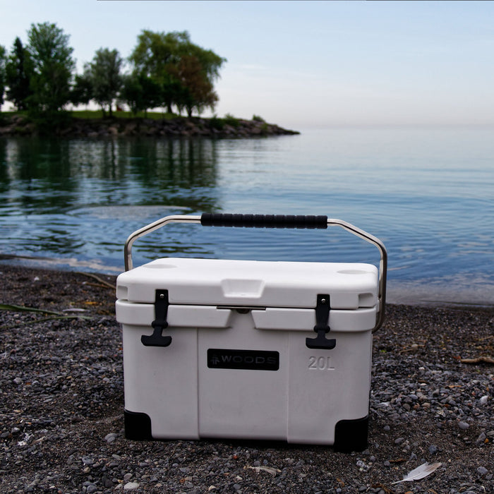 Woods Arctic White Cooler 20 Quart Roto-Molded