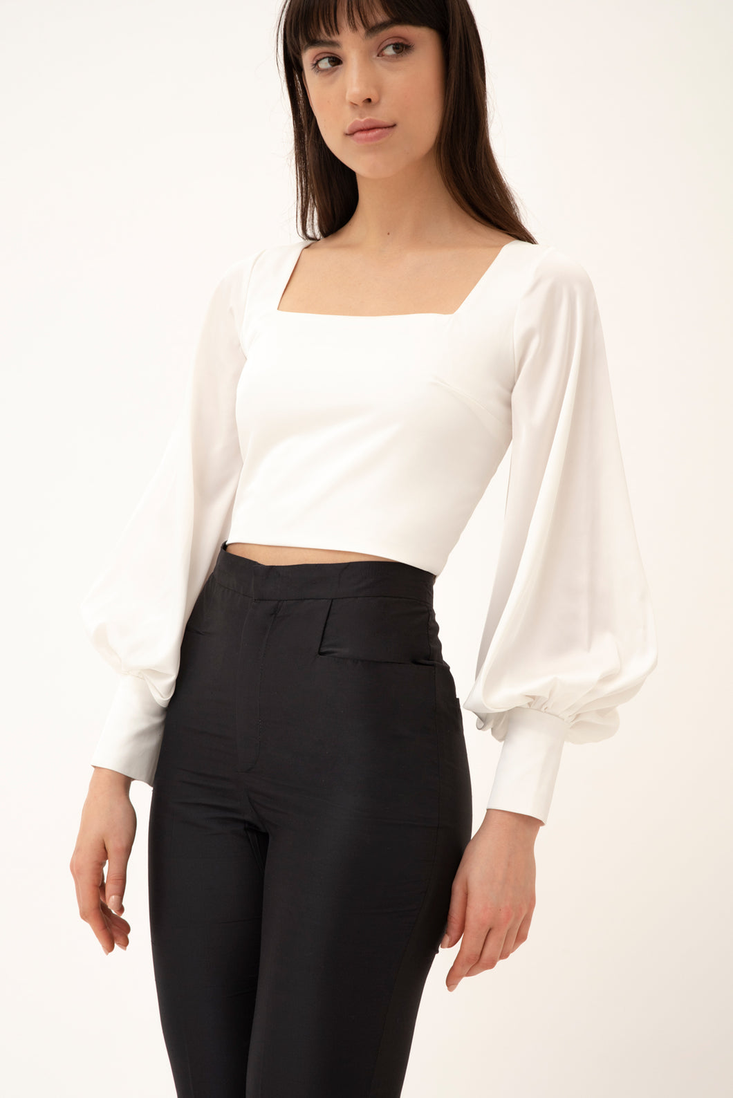 Nogal blouse with statement sleeves