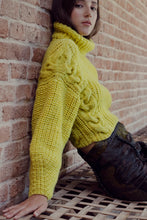 Load image into Gallery viewer, Quebracho jumper in extra fine Merino wool - Lime