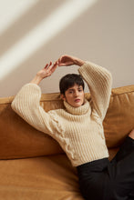 Load image into Gallery viewer, Quebracho jumper in extra fine Merino wool - Beige