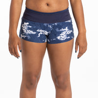 Model : Ariell - Size 4, Ariell is 5'6 | PRIMARY | GROUNDED CIRRUS PRINT