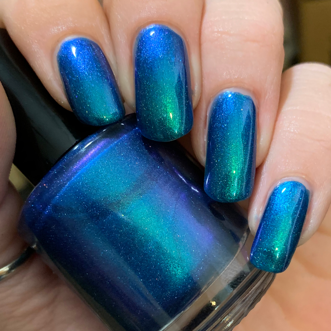 nail polish, swamp gloss, multichrome, green, blue, purple, aurora borealis, indie polish, holographic,