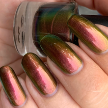 Load image into Gallery viewer, red to green to gold multichrome UCC polish, inspired by amelie, super shift nail polish, indie polish