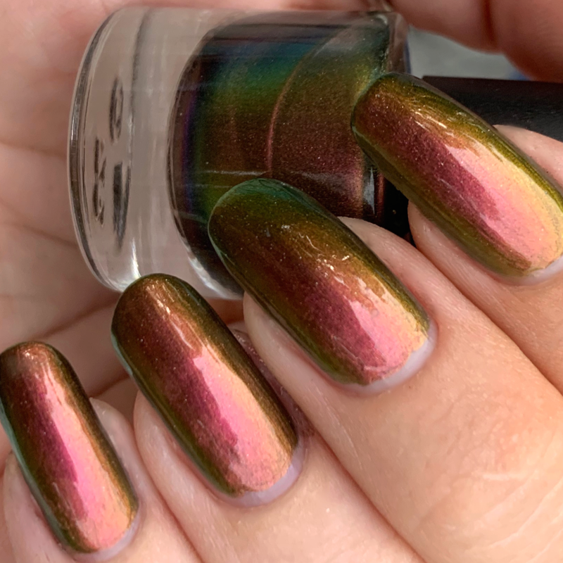 red to green to gold multichrome UCC polish, inspired by amelie, super shift nail polish, indie polish
