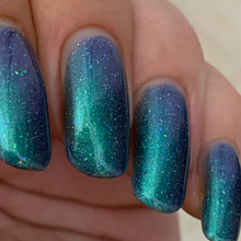 Load image into Gallery viewer, me, holographic nail polish, holo micro flakes, jelly polish, shifting shimmer, ghost chameleon, indie polish, swamp gloss, Aurora borealis