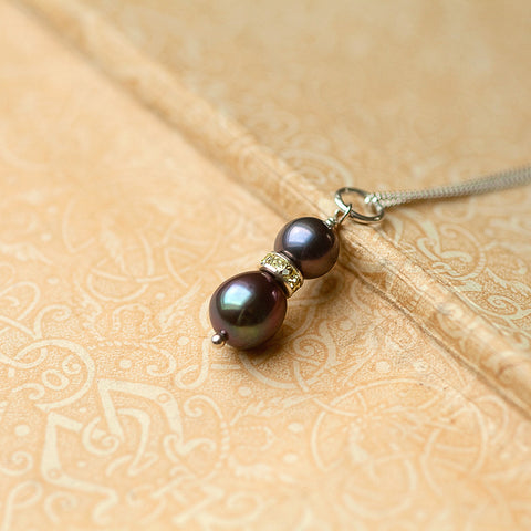 freya handmade black pearl necklace