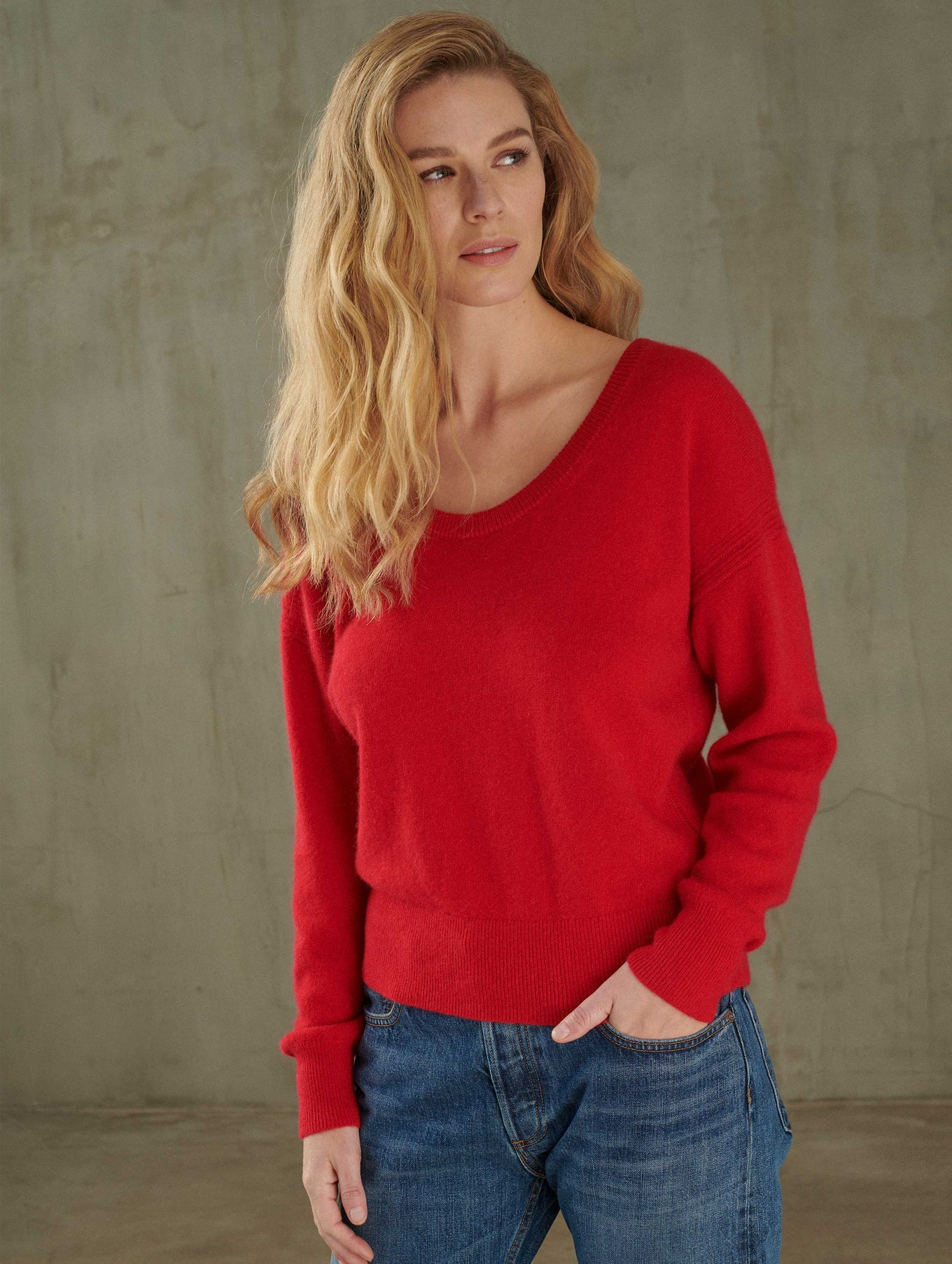 Cashmere Scoop Neck Sweater