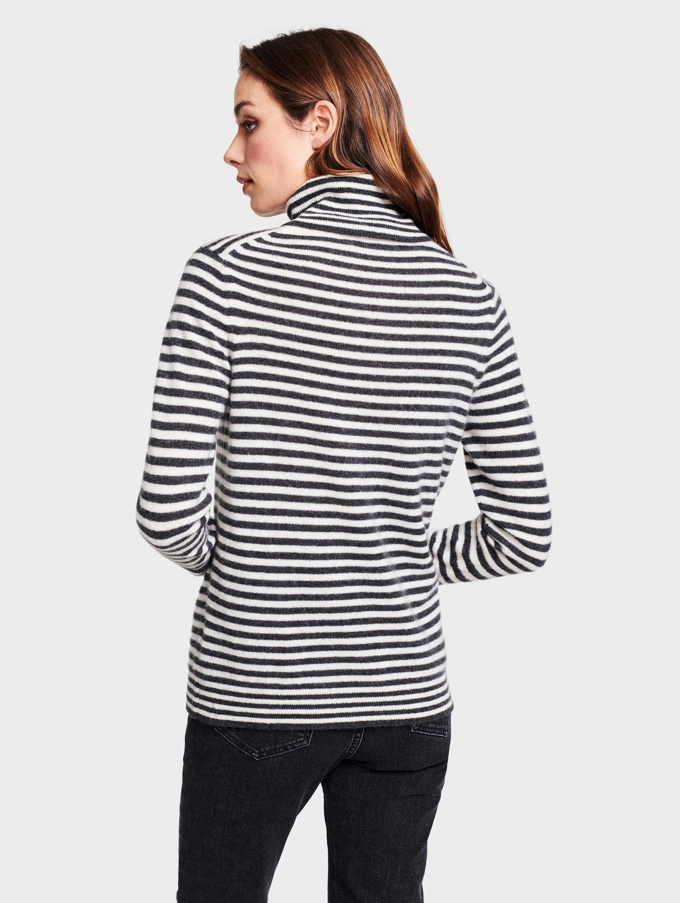 Essential Cashmere Striped Turtleneck