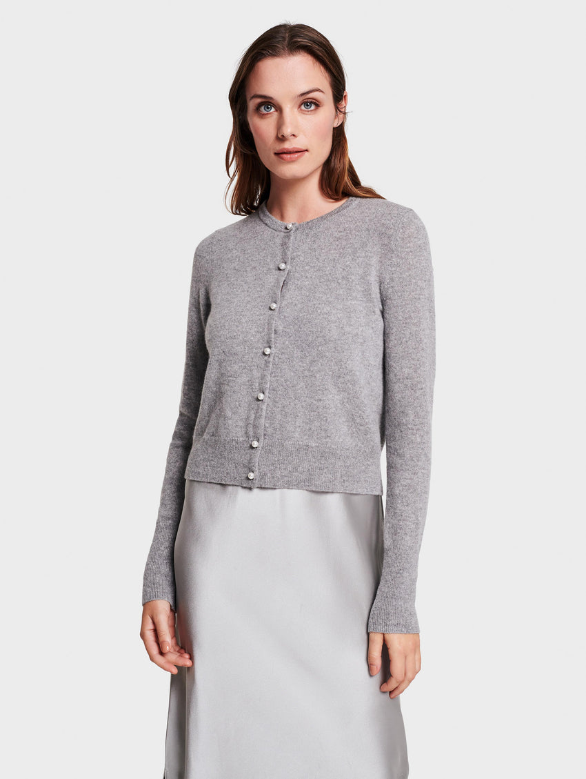 Essential Cashmere Cardigan With Pearl Button