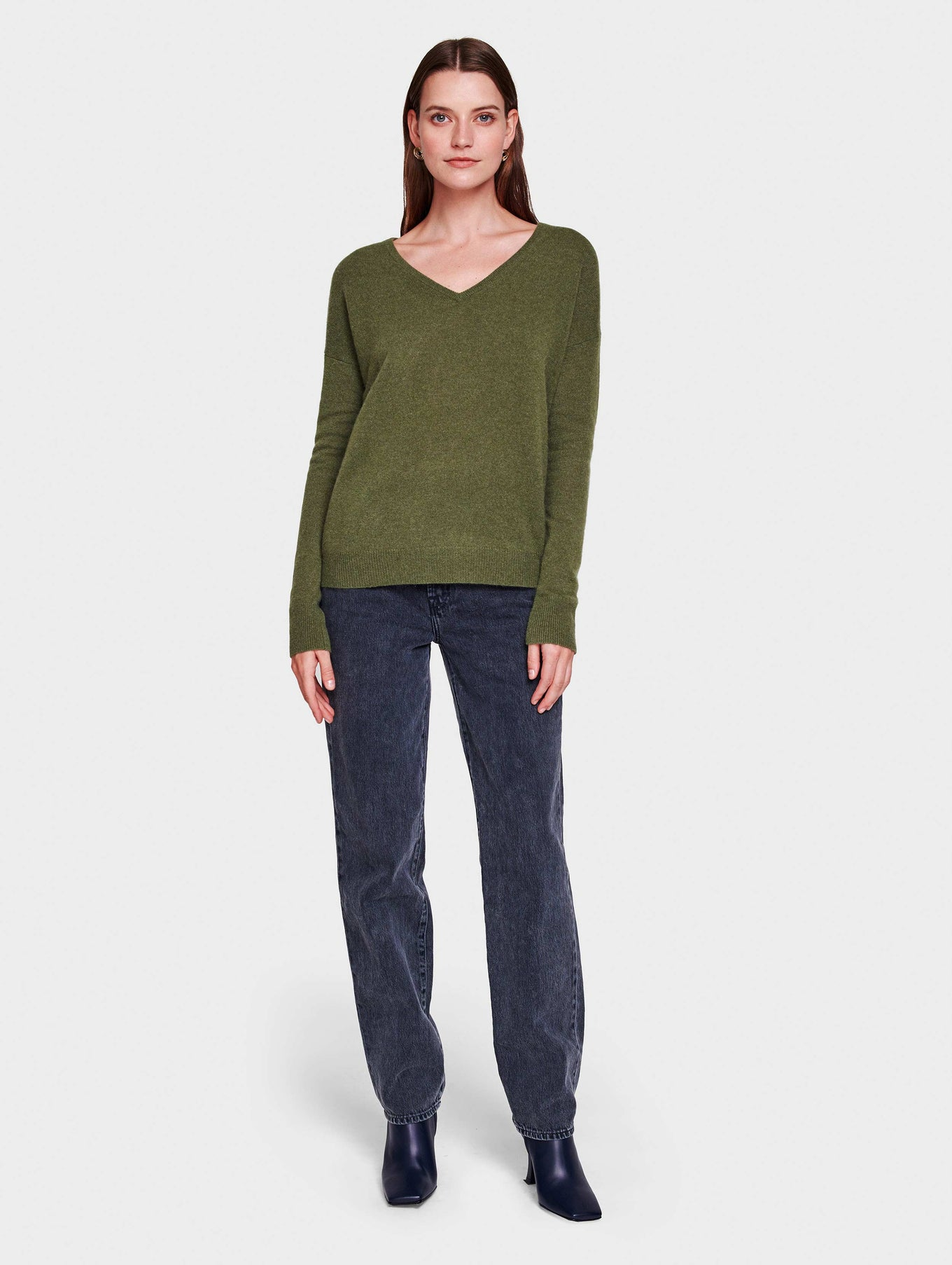Essential Cashmere V Neck - Olive Heather - Image 2