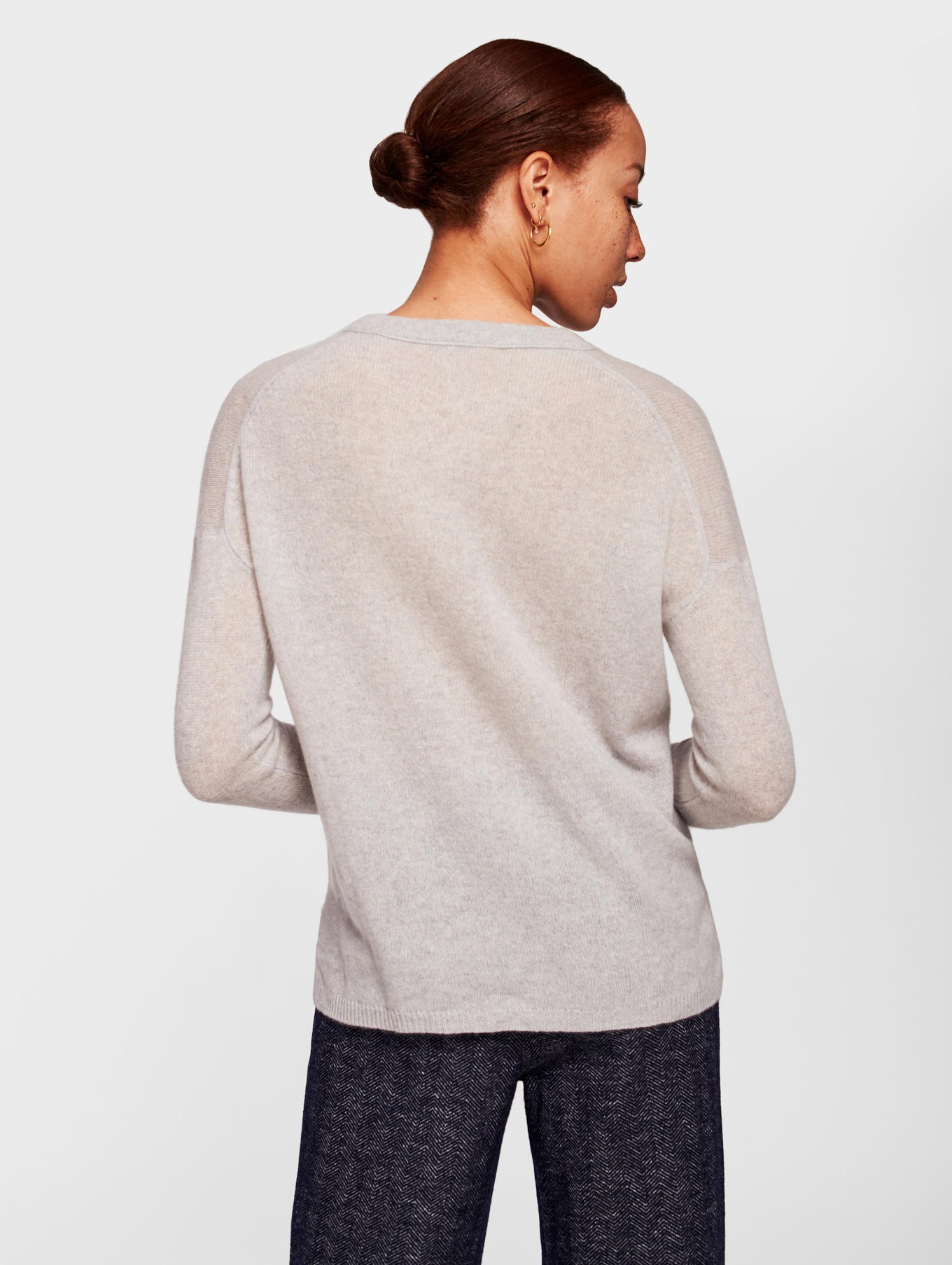 Cashmere Step Hem Crewneck - Ash Heather - Image 3