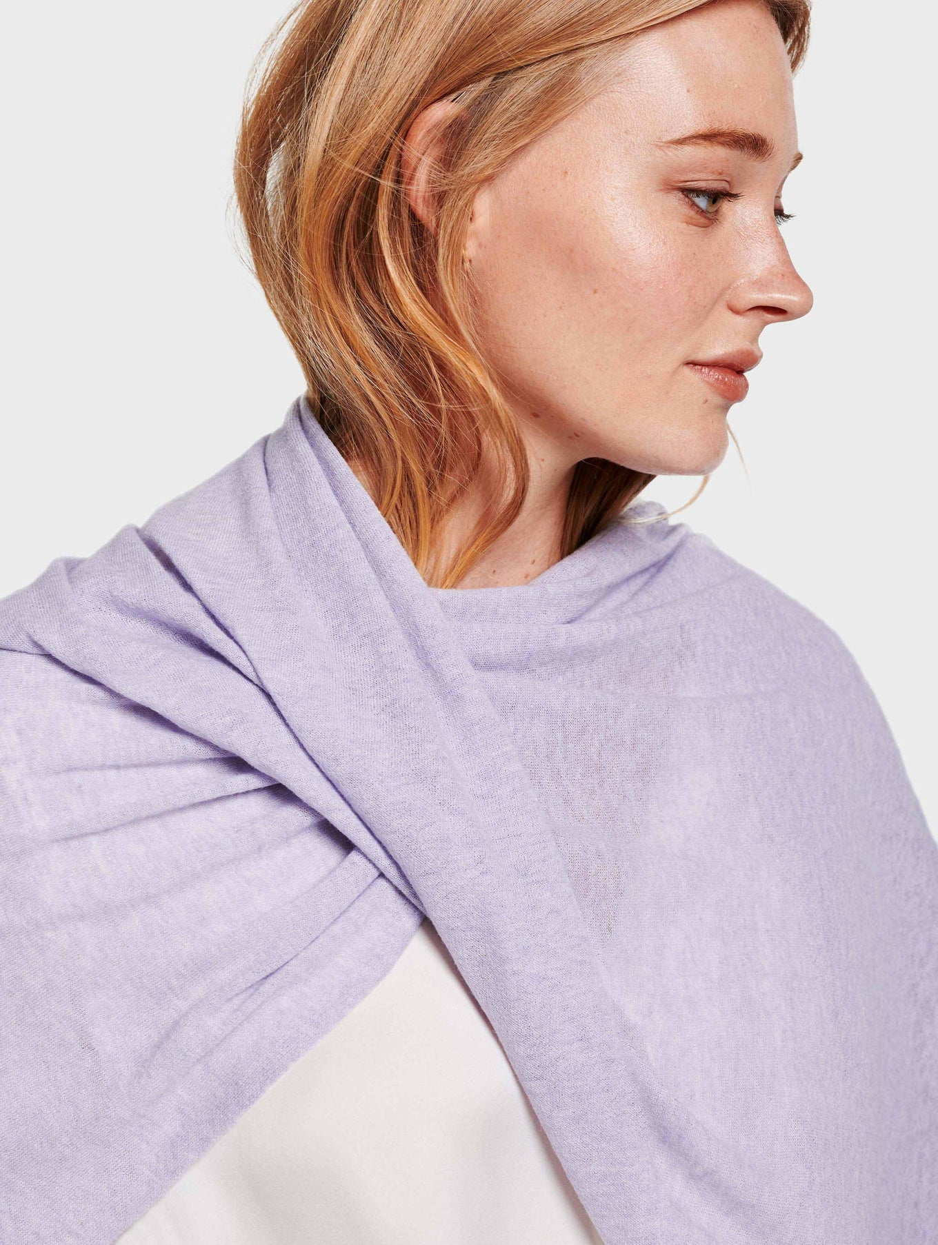 Mini Linen Travel Wrap - Lilac Mist - Image 2