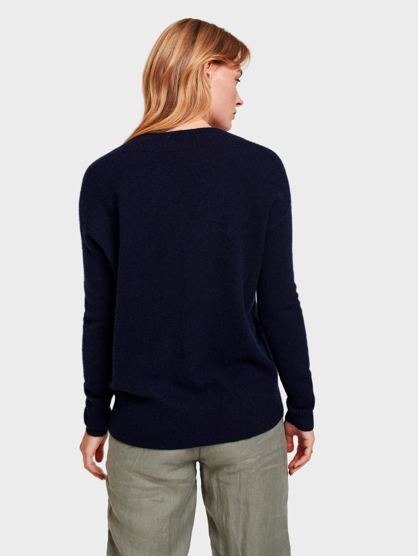 Cashmere Wide Rib V Neck - Deep Navy - Image 3