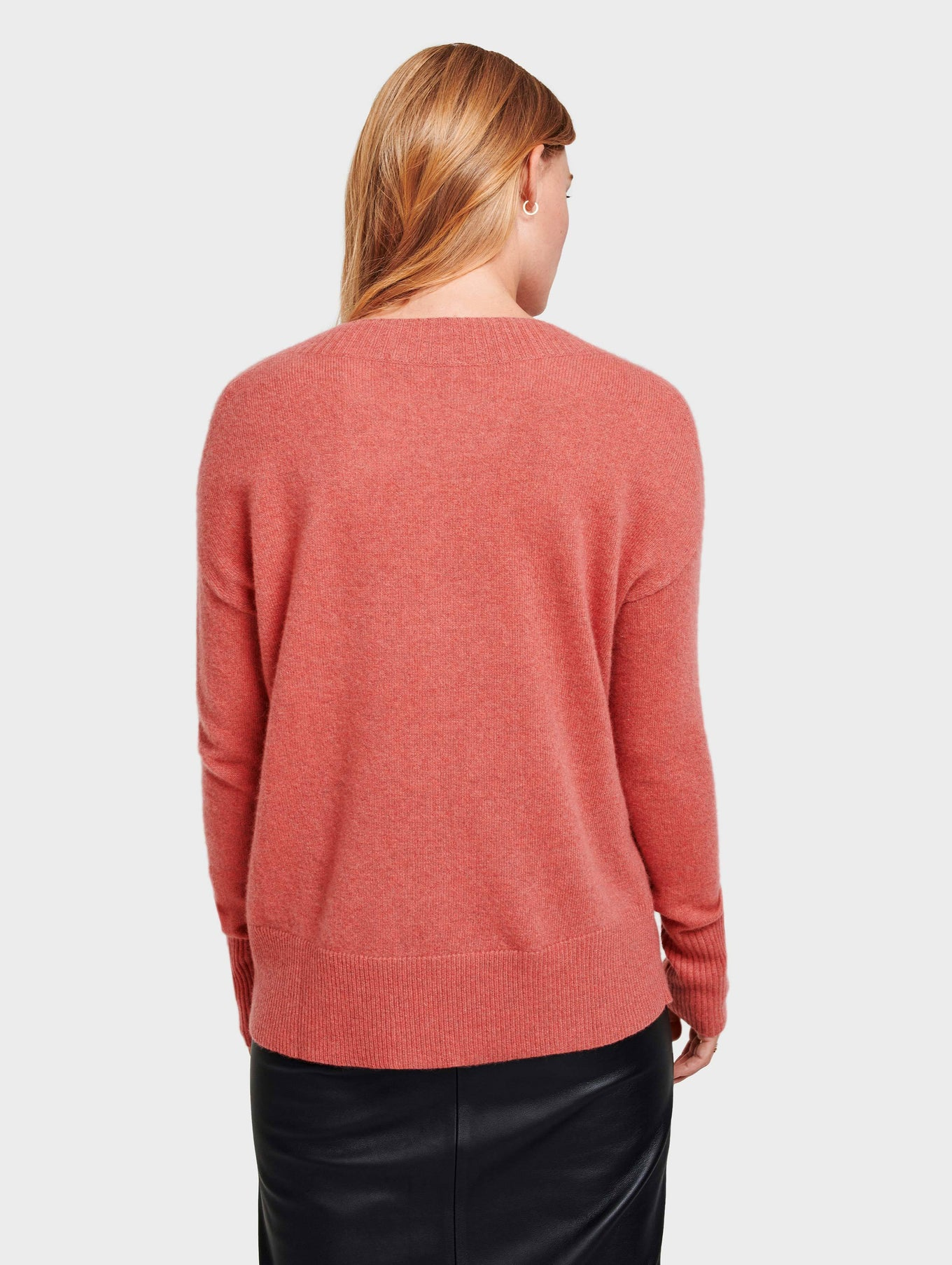 Cashmere Wide Rib V Neck - Pink Opal Heather - Image 4
