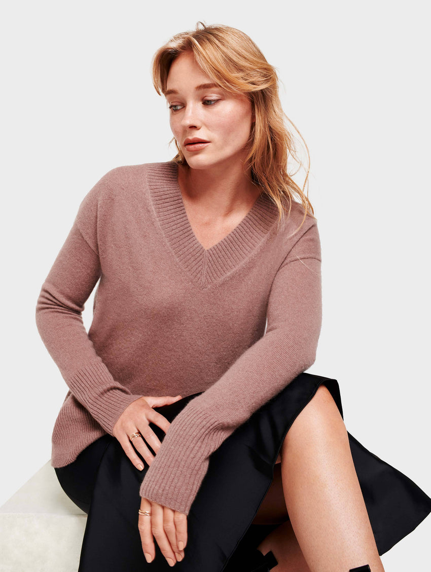 Cashmere Wide Rib V Neck - Smoky Quartz Heather - Image 2