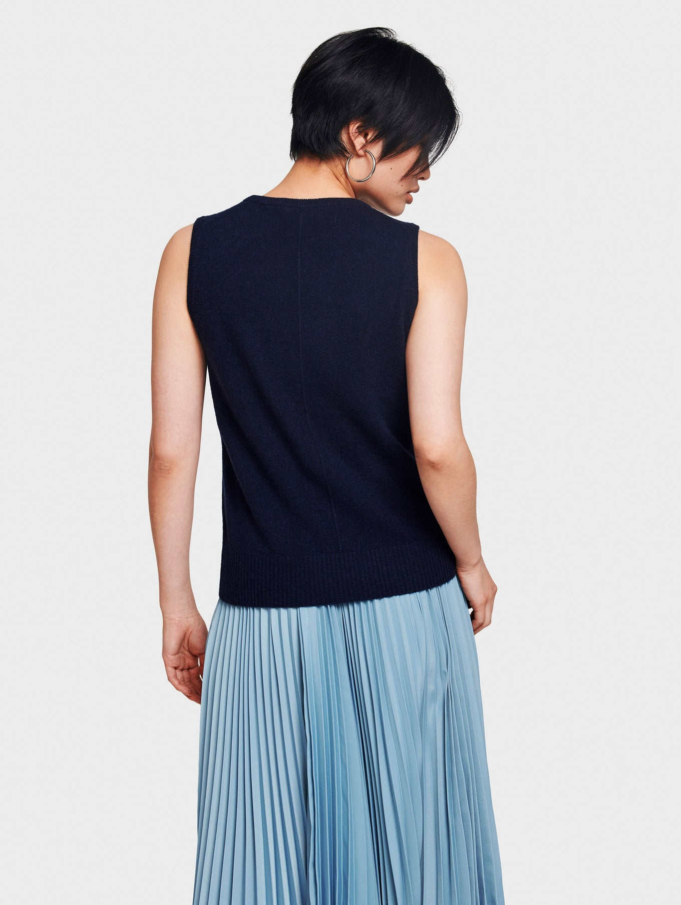 Cashmere Sleeveless Crewneck