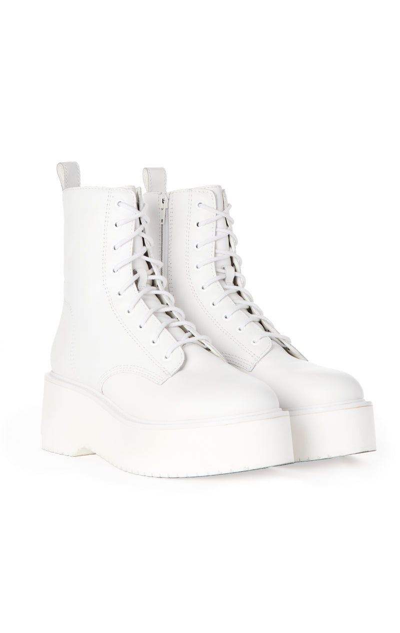 TWISTER LACE-UP BOOT
