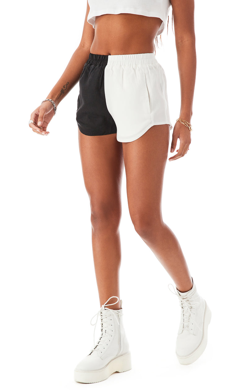 COLOR BLOCK SPLICED BOXER SHORT 4
