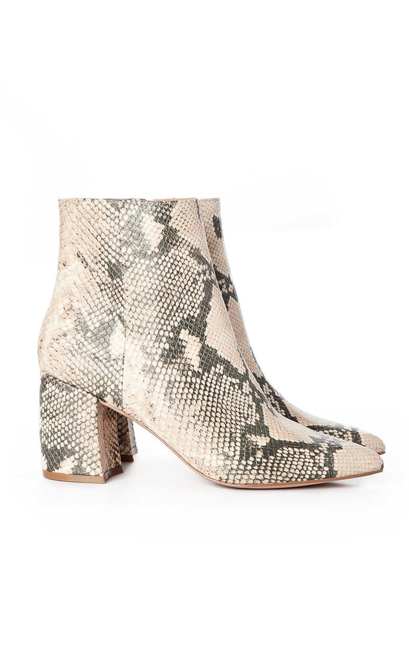 NADALIE POINTY TOE ANKLE BOOT