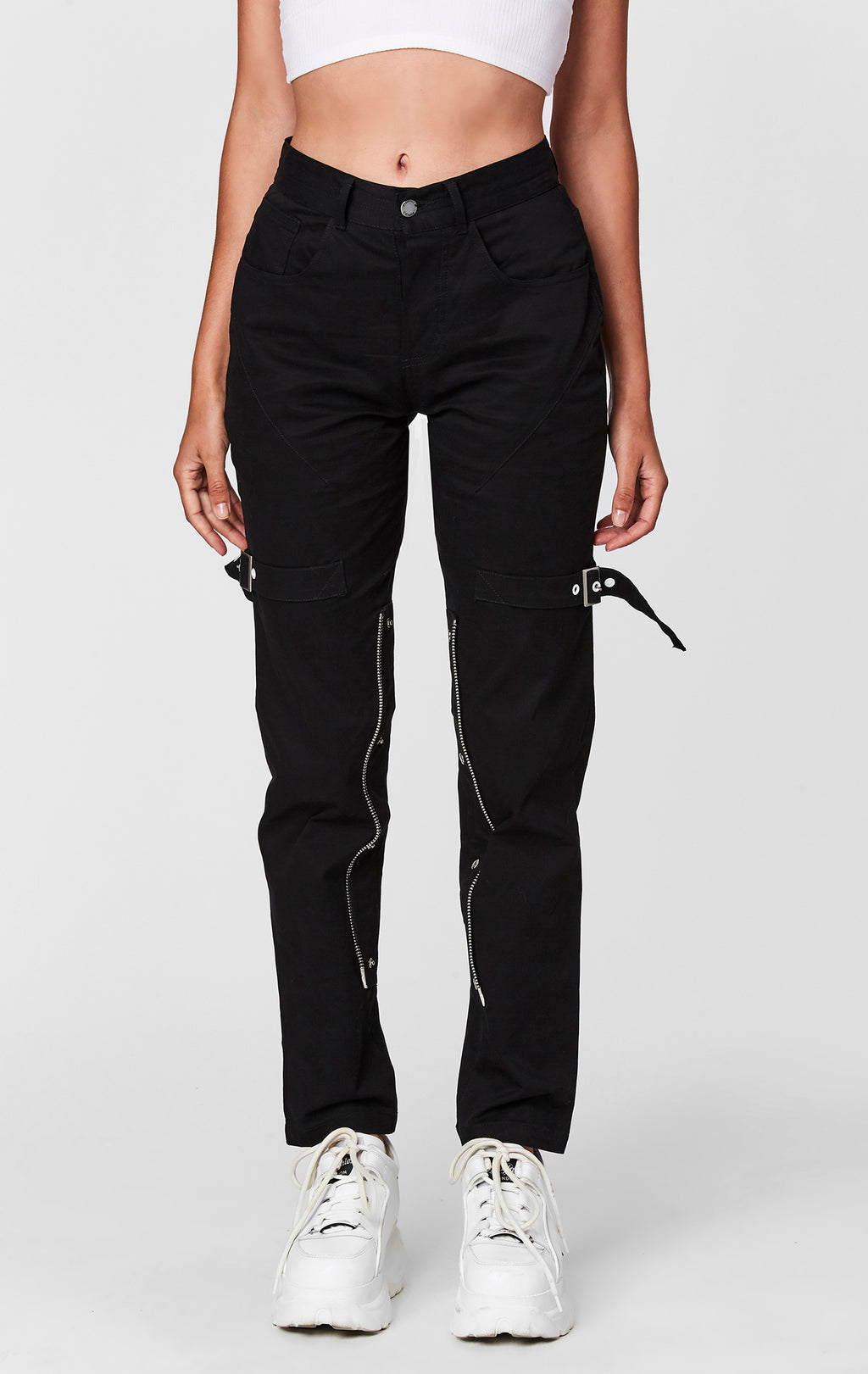 EXPOSED SNAP BUTTON PANT FRONT