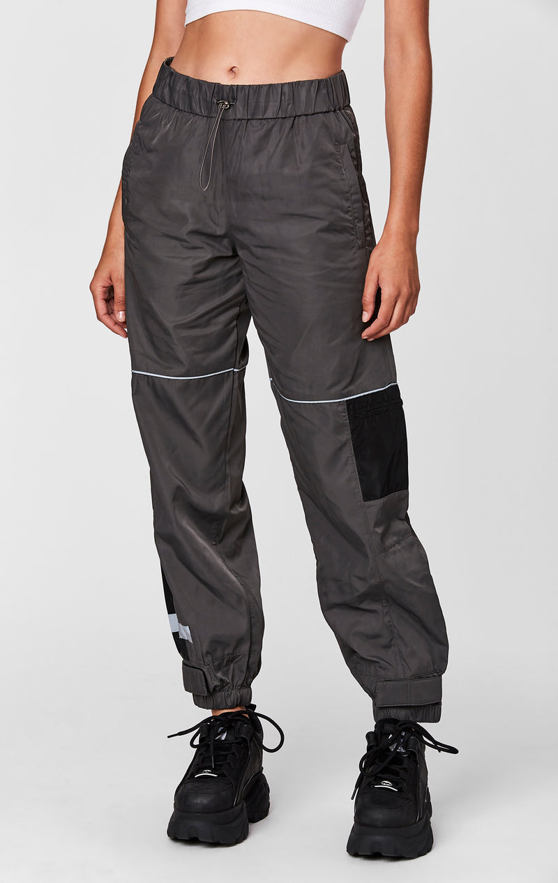 WINDBREAKER TRACK PANT FRONT