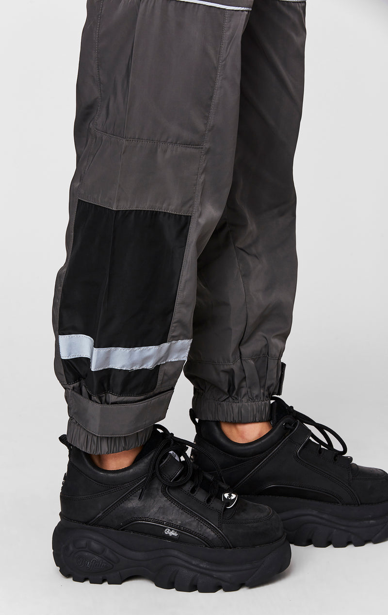 WINDBREAKER TRACK PANT DETAIL