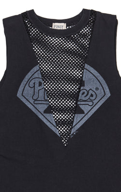 SLEEVELESS TEE WITH NETTING INSERT