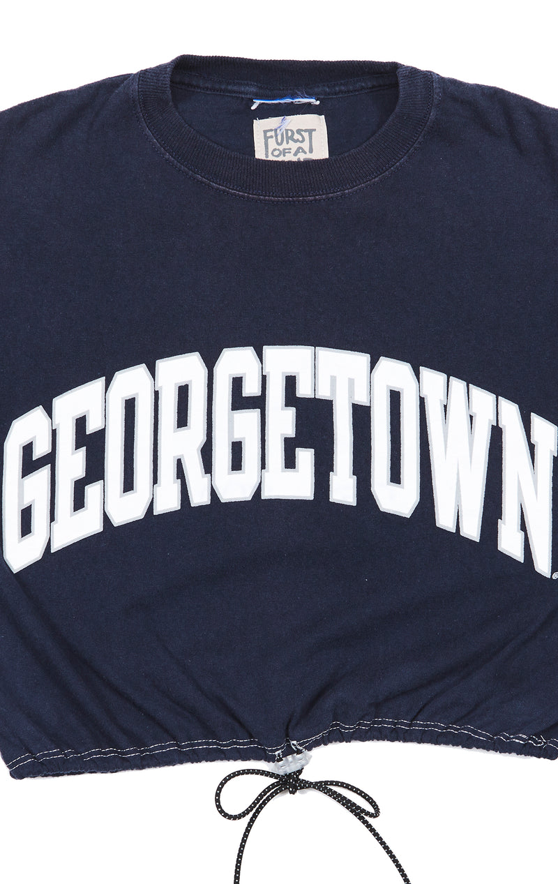 COLLEGE TEE WITH TOGGLE BUNGEE CORD CLOSE UP
